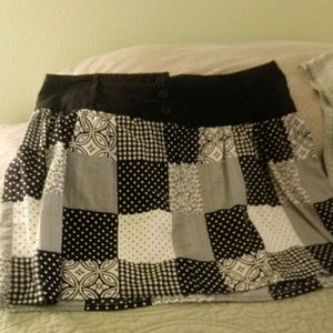 Speechless Black and white mini with lining.